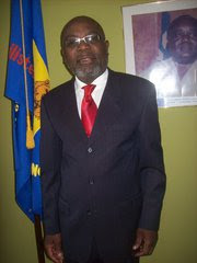 Mwenze Kongolo, ancien Ministre de la Justice dans le Gouvernement de Laurent-Désiré Kabila en 1997