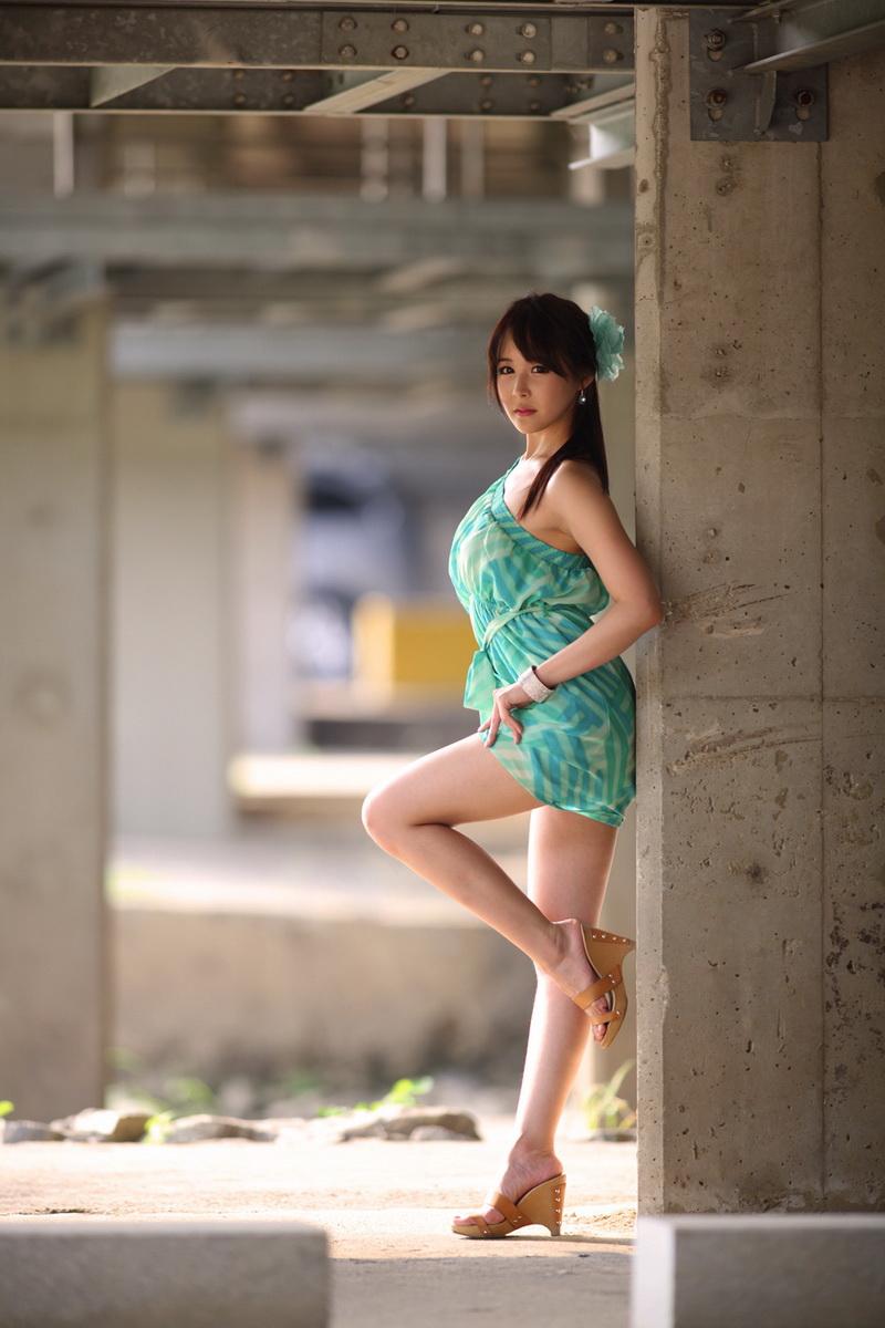 xxx nude girls: Leggy Jill
