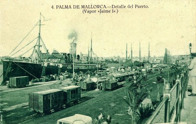 El REY JAIME I atracado en Palma. Postal.JPG
