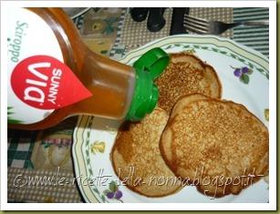 Pancakes ai quattro cereali con latte di soia, zucchero di canna e sciroppo d'agave (10)