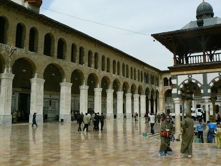5. Moscheea din Damasc.JPG