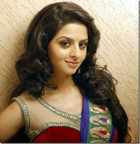 vedhika_nice_photo