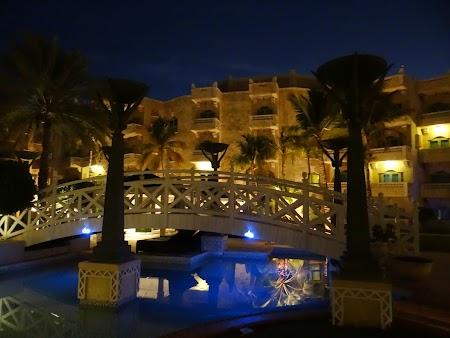 Piscina hotel Hyatt Muscat Oman