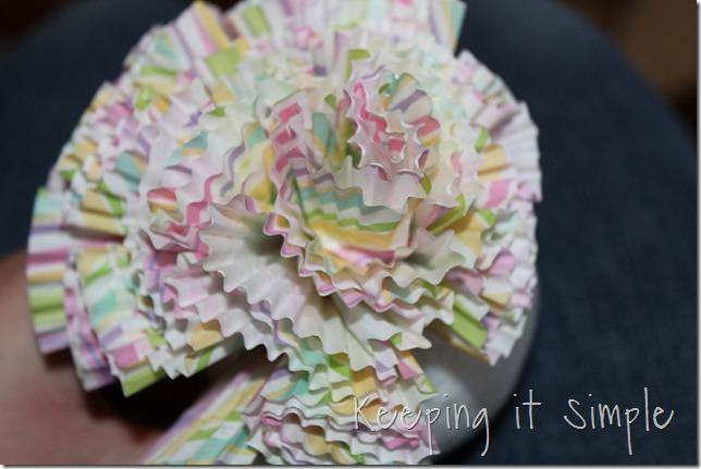 cupcake liner ball (2)