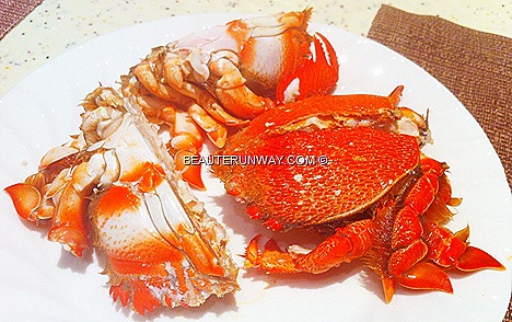 Crab Buffet feast Plaza Brasserie Nonya Curry Crab, X.O. sauce Crab, Butter, Stirred Fried Crab Egg Yolk, Thai Green Curry Mud Crab Sichuan Style, Stir-Fried Flower Crabs Chilli Black pepper PARKROYAL Beach Road