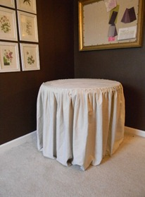 skirted table 002