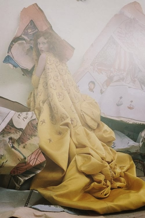 tim-walker-karen-elson-vogue-april2008-p243-dior-haute-couture