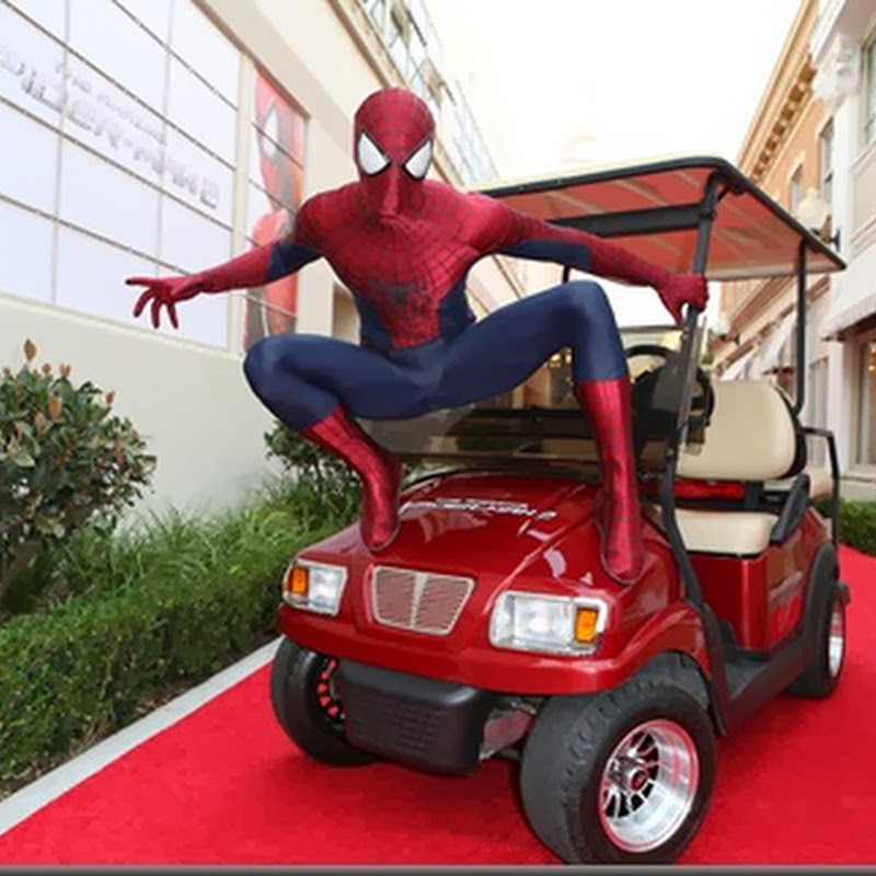 "Cast of ""Amazing Spider-Man 2"" Brings Cheer to Fans"