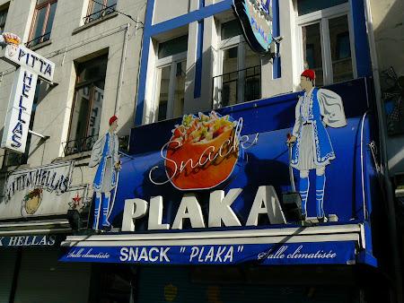Fast food grecesc in centrul Bruxelles-ului