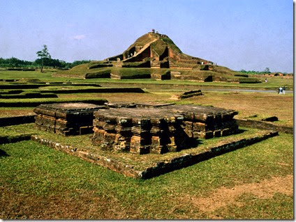 ruins_of_the_buddhist_vihara_at_paharpur__bangladesh__5_