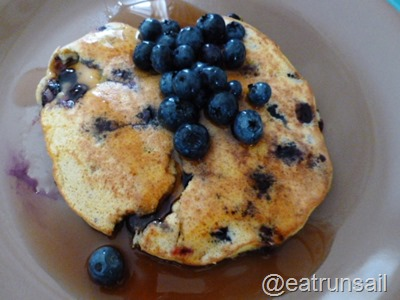 Aug 24 coconut and blueberry pancakes 001