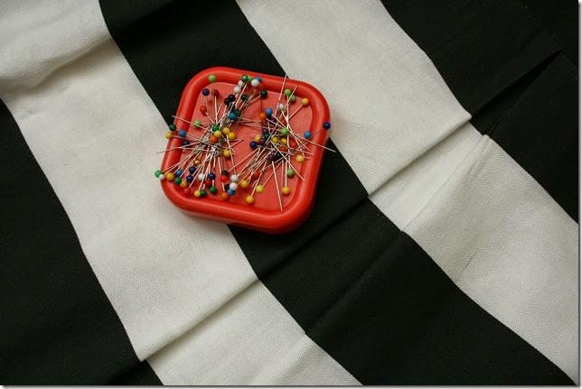 Sew a women's pleated bell skirt with an elastic waist.