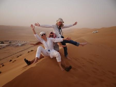 18. Pe dune in Wahiba Sands.JPG