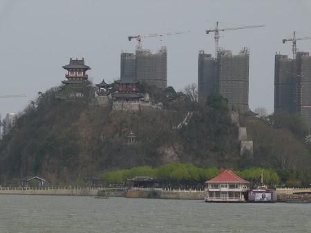 Imagini Zhenjiang: dealul Beigushan