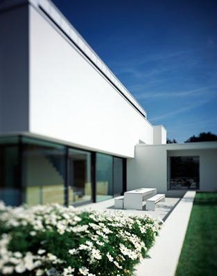 fachada-casa-minimalista-P-Philipp Architekten