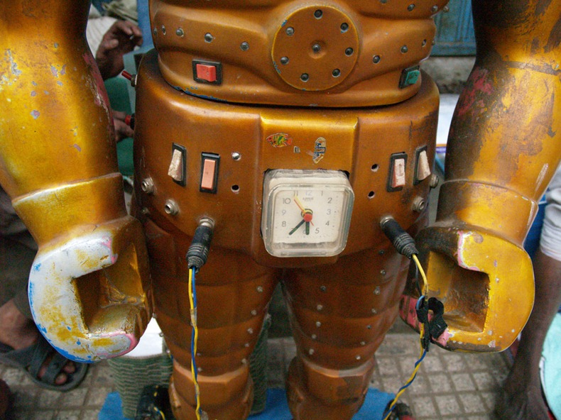 fortune-telling-robots-4