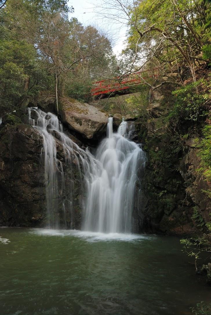 竜吟の滝 | がんでんの館