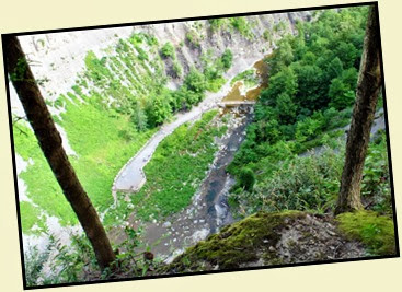 02e - South Rim Trail - Looking down on Taughannock Falls viewing platform
