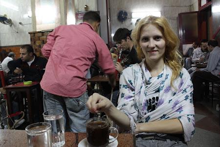 Ceaiul de seara din Piata Tahir