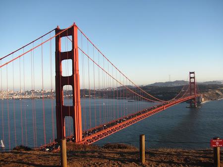 Obiective turistice San Francisco: Poza clasica a podului Golden Gate