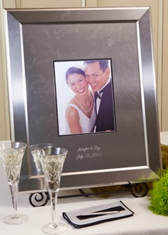 90418_personalized-signature-frame-with-titanium-frame-style-sktf-11x14-1380510024-717