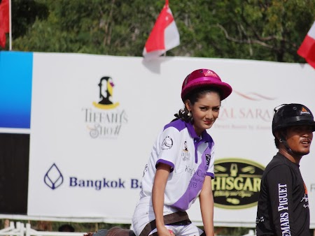 20. Ladyboy Thailanda.JPG
