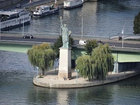 Obiective turistice Franta: Statuia Libertatii Paris