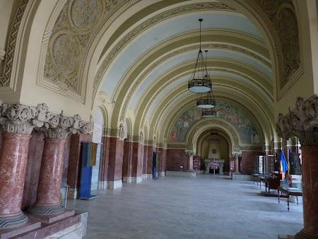 Ziua Nationala a Romaniei: Sala Unirii Alba Iulia