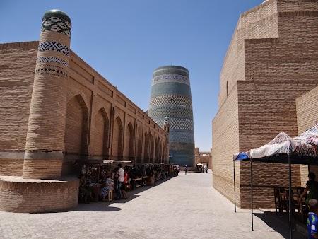 26. Strazile din Khiva.JPG