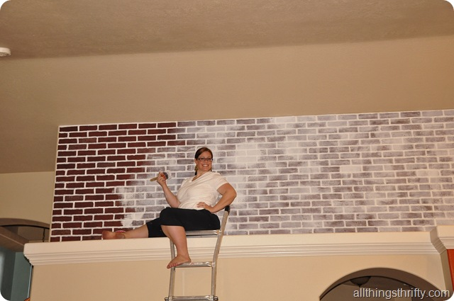Tutorial How To Paint Brick To Make It Look Old All Things Thrifty - Distressed brick wall tiles