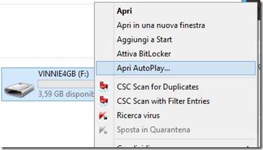 Opzione Apri AutoPlay menu contestuale unità USB