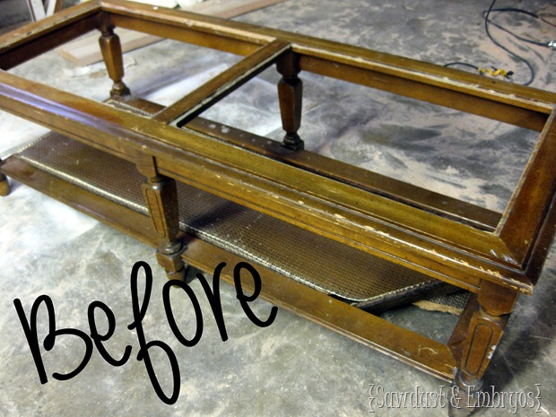 Wood grain coffee table... using vinyl as a stencil {Sawdust and Embryos}