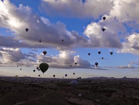 29. Zeci de baloane in Cappadocia.JPG