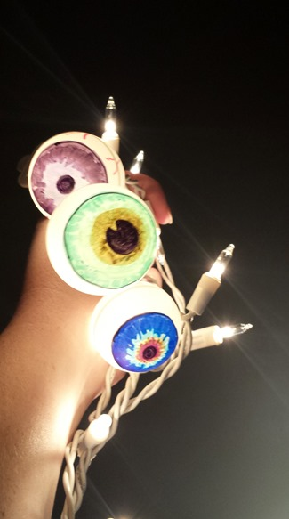 Halloween Crafts: DIY Eyeball Lights. | {So Wonderful, So ...