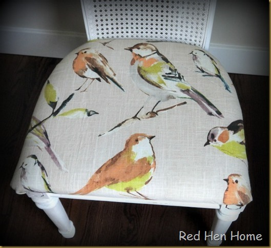 Red Hen Home For The Birds A Dining Set