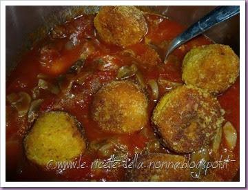 Polpette di zucca vegetariane al sugo di pomodoro e funghi (16)