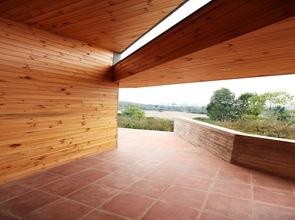 revestimiento-pared-vigas-de-madera