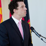 201106_fred_ross_painting_unveil_3034.jpg