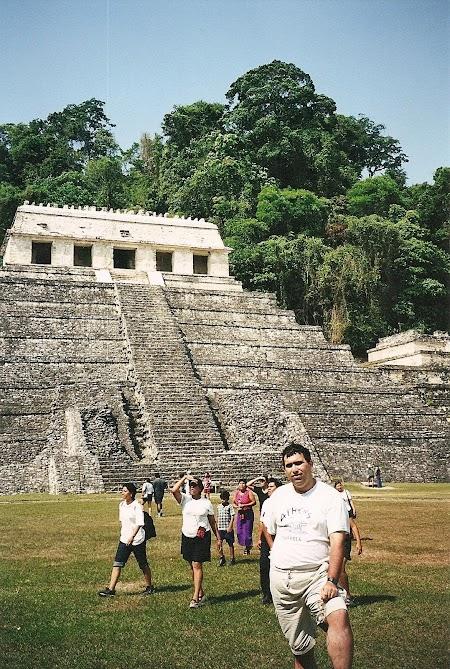19. Templo de los Inscripciones la Palenque.JPG