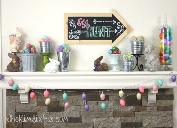 Egg hun easter mantel