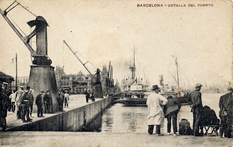 El FORMENTERA en Barcelona. Fecha indeterminada. Colores de Isleña Maritima. Foto Flickr.jpg