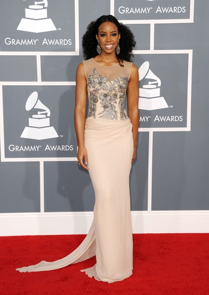 Kelly Rowland arrives at the 54th Annual GRAMMY Awards