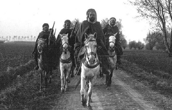 cavalry-patrol-moroccan-spahis