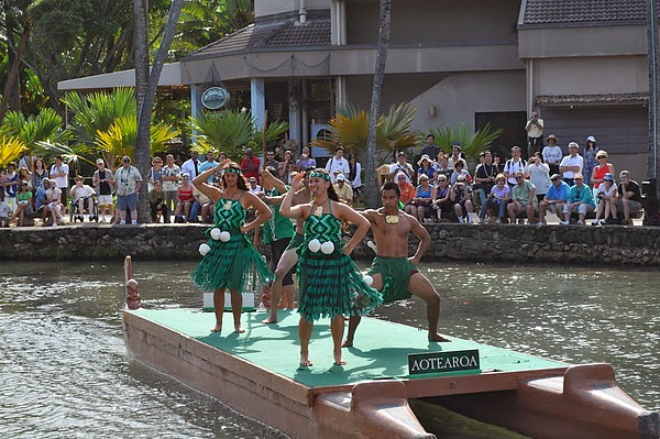 原住民水上歌舞秀