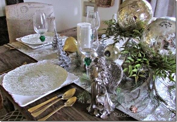 A Beautiful Christmas Tablescape @ Rustic-refined.com