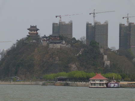 5. Temple - Zhenjiang.JPG