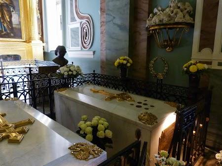 Mormintele tarilor Romanov