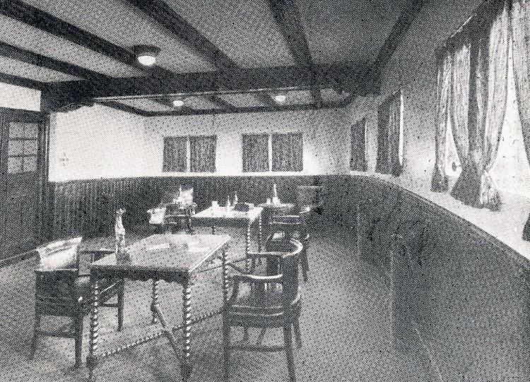 Salón fumadores. The Motor Ship. Marzo de 1927.JPG
