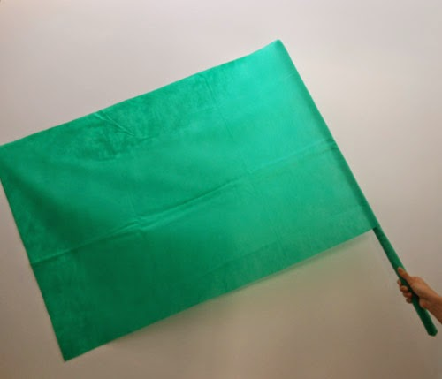 como-fazer-bandeira-brasil-cabo-vassoura-copa-mundo-10.jpg