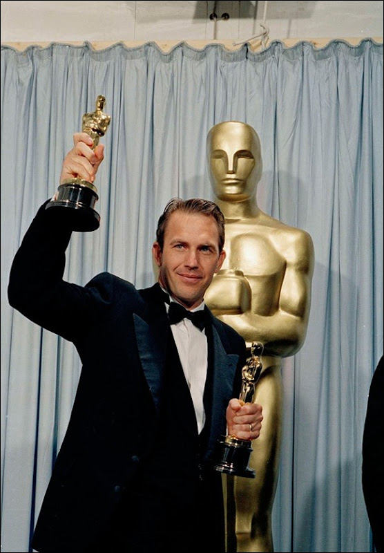 Most-Bizarre -Oscar-Moments-09